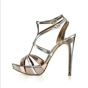 Ivanka Trump Monalee sexy metallic sandals sz 8.5